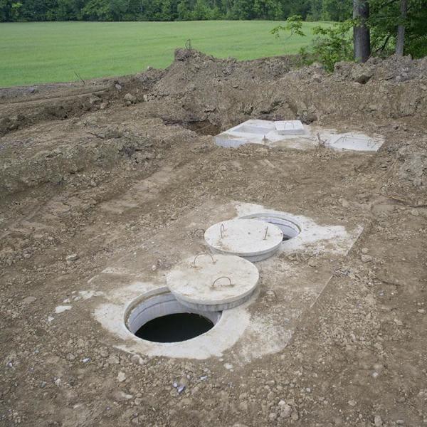 монтаж септиков из бетонных колец в Истре